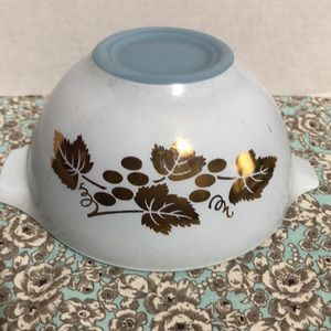Vintage Pyrex Delphite blue Bowl with gold ivy
